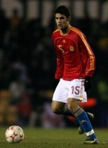 Mario Suarez con la Española