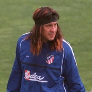 http://www.futbolbalear.es/wp-content/uploads/2009/03/burgos-300x300.jpg