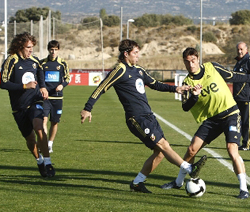 Albert Riera en el entrenamiento de la Española