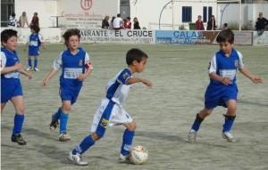 jugada del partido entre el Ferriolense y el Arenal