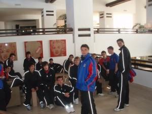 Juan Nebot en el vestuario con sus jugadores