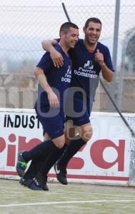 Espadas celebrando un gol