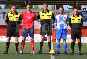 Oscar Albiol con los asistentes y capitanes del partido