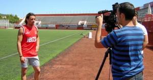 El jugador fue entrevistado ayer por los medios de comunicación locales en el primer día de su prueba con el Eivissa S. M. C
