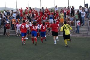 El Collerense celebró en Tenerife el ascenso a Superliga