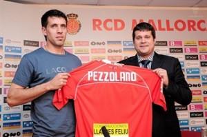 Pezzolano ya es nuevo jugador del RCD Mallorca.