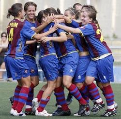 Las Chicas del Levante celegran un gol