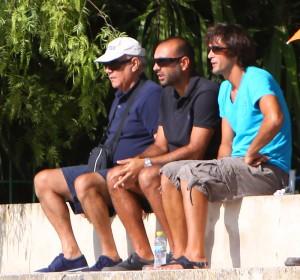 Pepe Galvez, presenciando el partido, La Salle - Penya Arrabal.