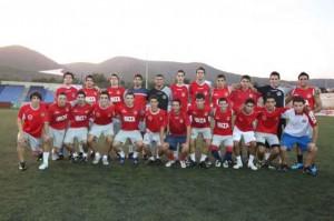 Imagen de la plantilla del Eivissa juvenil, minutos antes de enfrentarse al equipo de Regional Preferente, ayer por la tarde. LORENA PORTERO