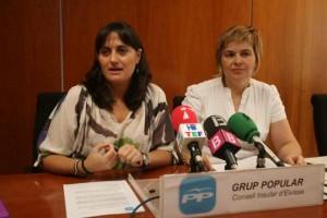 Carolina Torres y Cati Palau, durante la rueda de prensa que tuvo lugar ayer en el Consell. JUAN A. RIERA