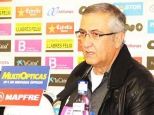 Gregorio Manzano en la primera rueda de prensa de 2010