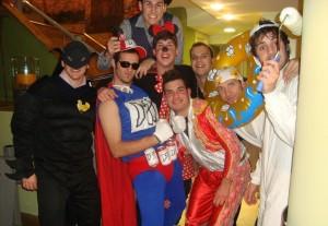 Los jugadores del Ferriolense celebran el carnaval