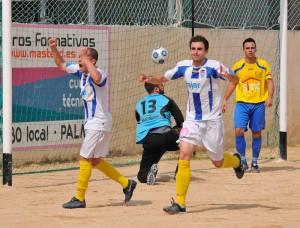 El Baleares celebra su primer gol frente al Independiente