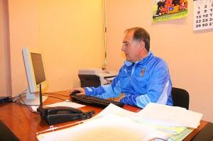 Jaime en su despacho