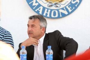 Segarra. El presidente del Sporting arenga al equipo y al técnico tras la última derrota - Archivo
